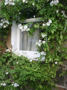 Double room in cottage by the tram - Edimburgo - Villa