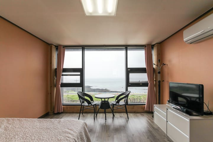 바다가 보이는 원룸!!(Private studio with Ocean view)