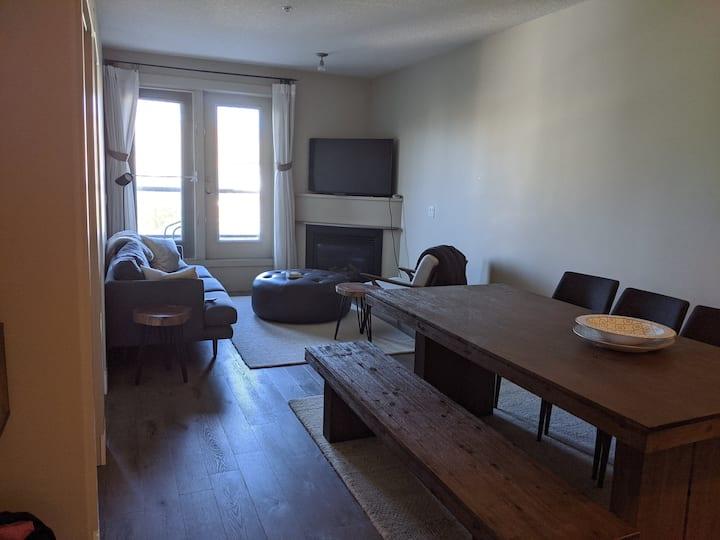 Very Clean Private One Bedroom in Bridgeland