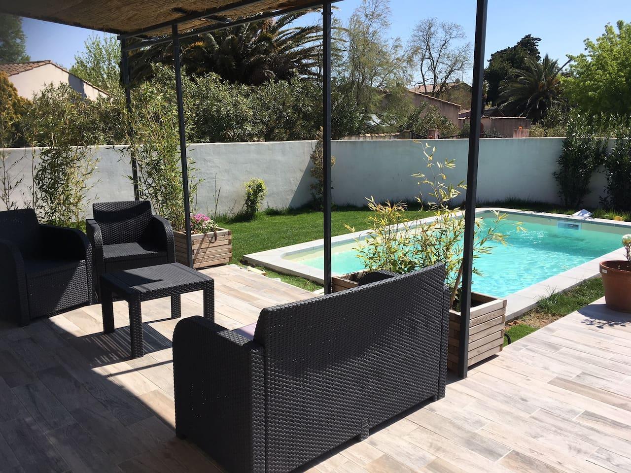 Terrasse 80m2 et piscine de 17,5 m² (1,40m de profondeur)