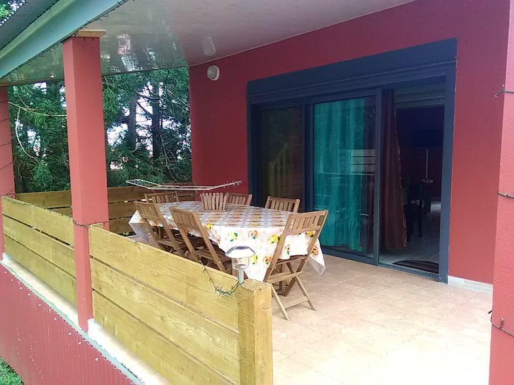 Bungalow with 2 bedrooms in La plaine des palmistes, with wonderful mountain view and furnished garden