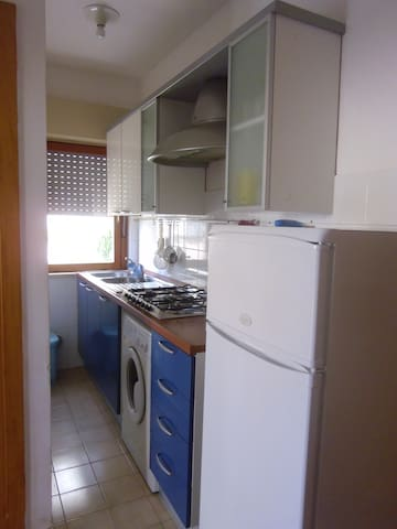 Flat 5 min walking to sandy beaches - Lido Riccio - Apartemen