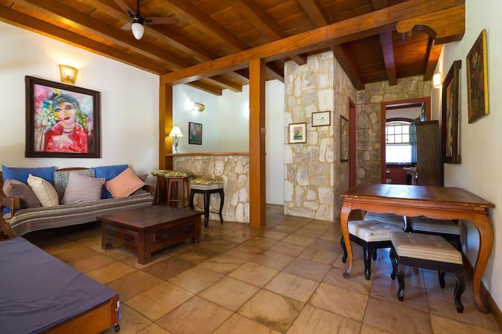 Casa estilo colonial alto padr o houses for rent in for Estilo colonial