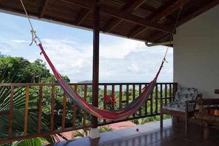 Ocean View Condo-monkeys everywhere - Quepos - Apartment