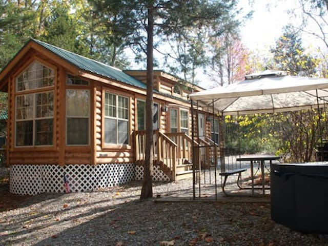 Cozy vacation home near Six Flags - Cream Ridge - Stuga