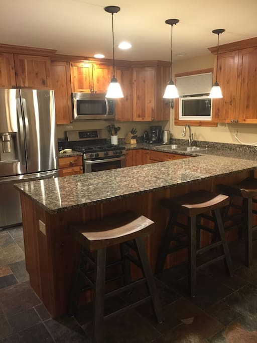 Kitchen with 3 counter seats