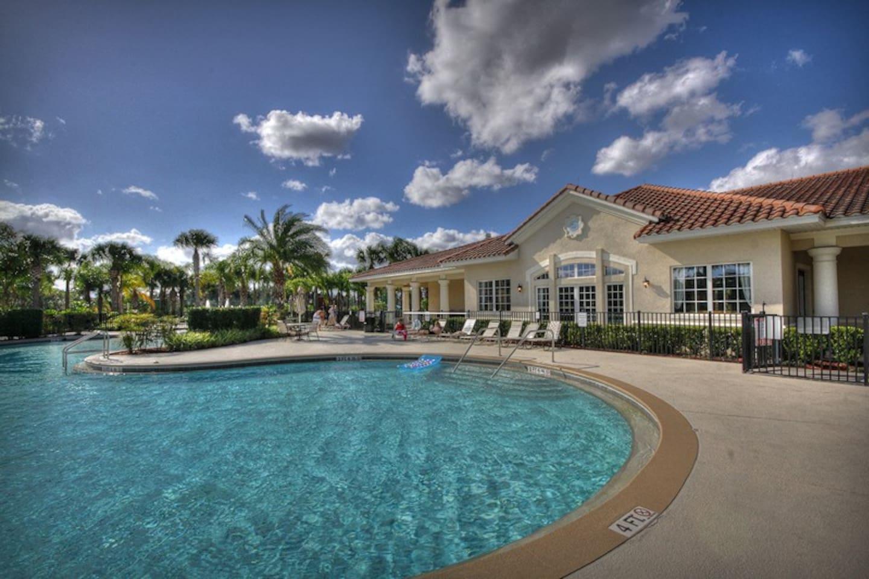 Luxury 2 bedroom condo in a gated resort community - enjoy full resort amenities