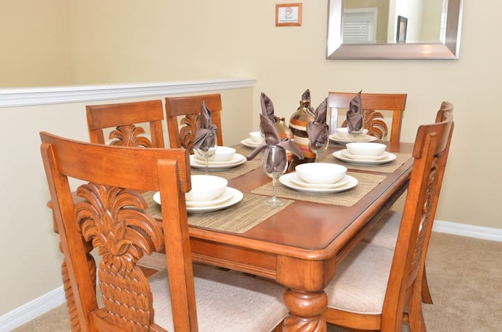 Dinning Room - enjoy your meals just like at home