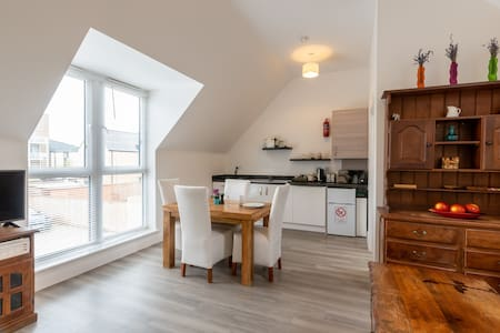 Lovely and modern Studio South Cambridge  in CB2