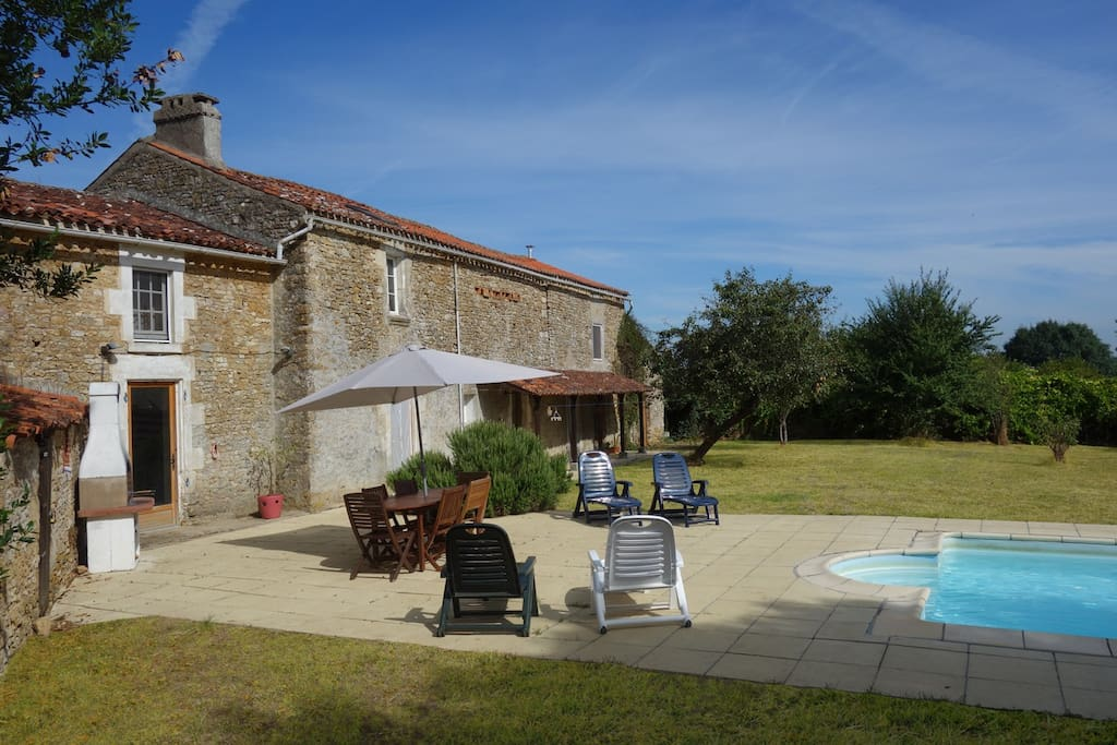 Back Garden - Swimming Pool, patio, barbecue, sun loungers, table and chairs