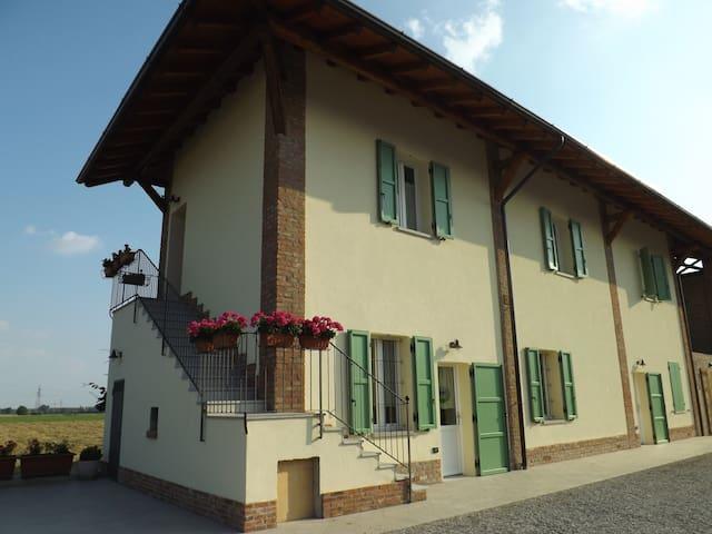 Agriturismo CASCINA CLAUDINA 2 - Truccazzano - Penzion (B&B)