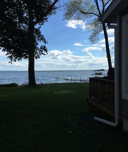 Lake Winnebago Quaint Cottage - Menasha