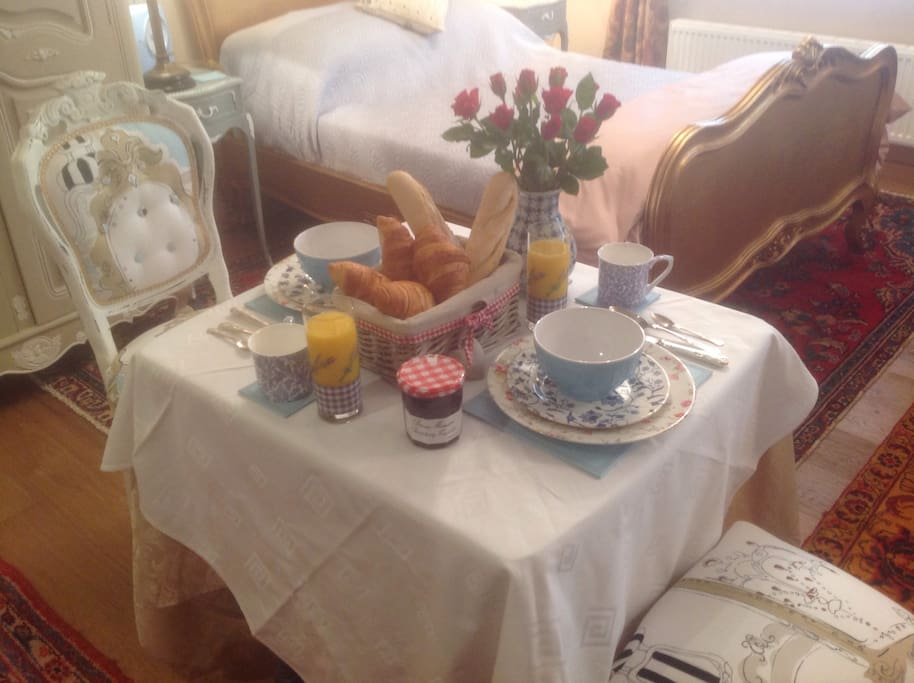 Breakfast a la Francaise