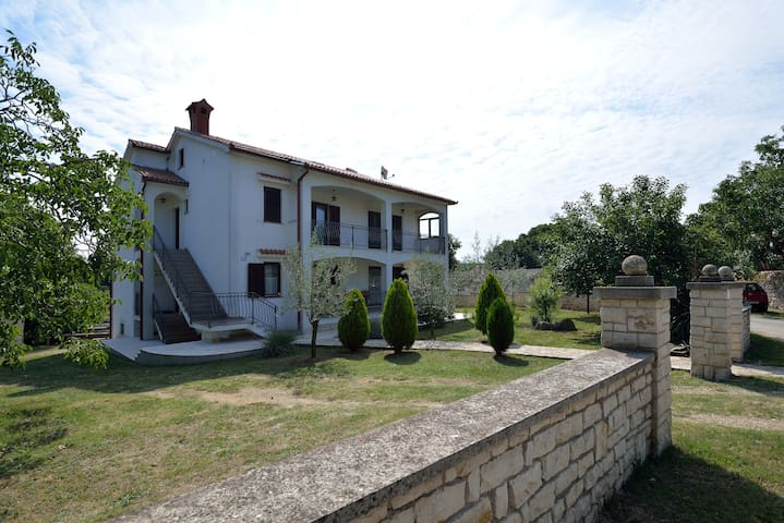Garden Apartment Maria Vrsar - Vrsar - Daire