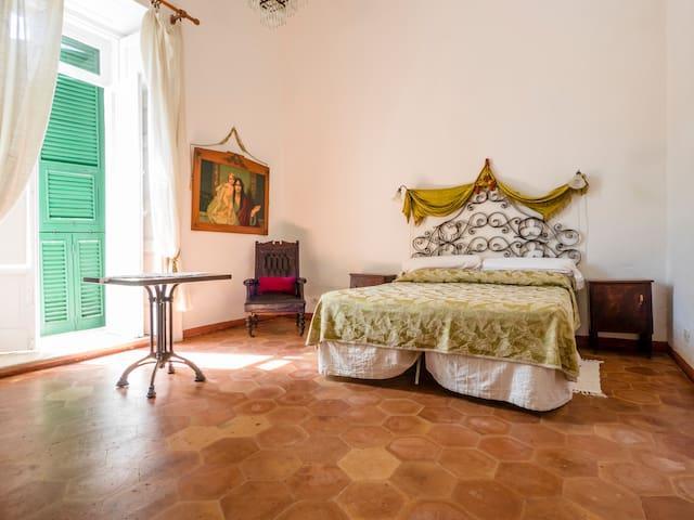 Appartamento antico centro storico - Lucera - House