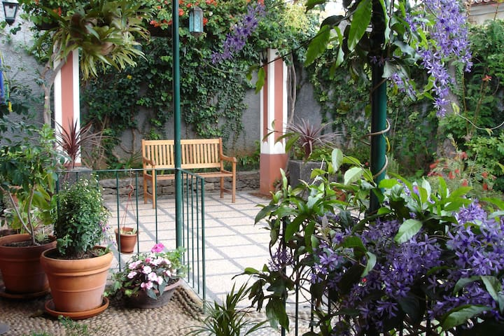 QUINTA ELENA  ...discounted prices for June/July