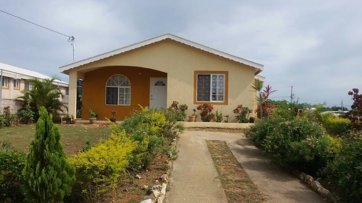 Cozy 3 Bedroom House with Air Conditioning