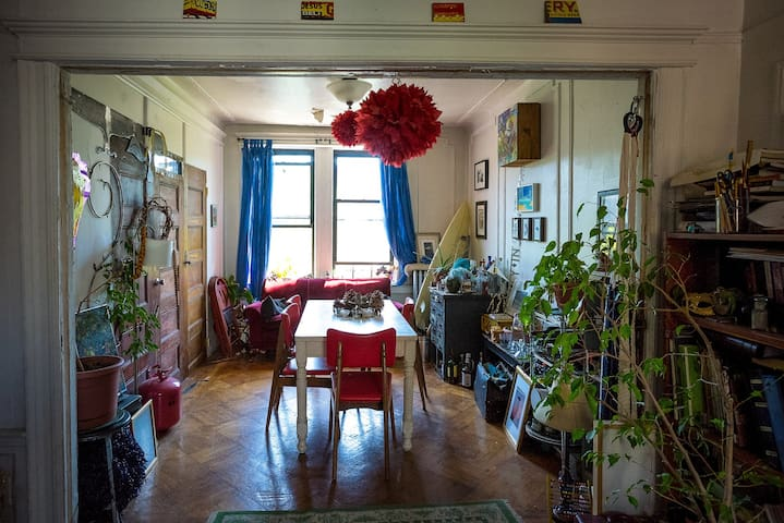 Affordable Room In Artsy Apartment Apartments For Rent