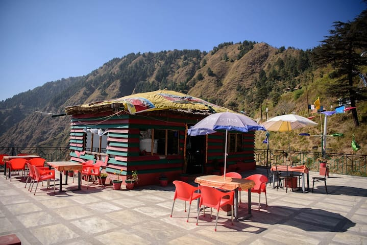 Comfortable Room on Secluded Mountains - Mussoorie - House