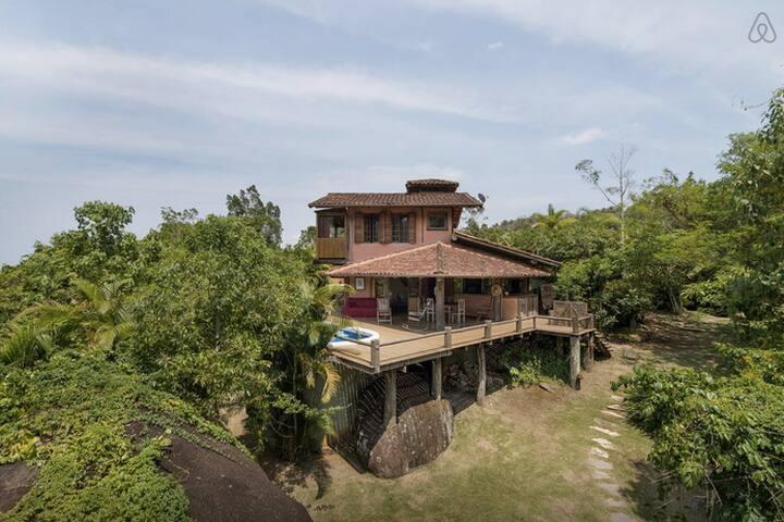 Casa na montanha com piscina