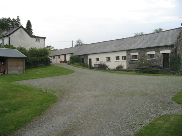 Family Woodland Apartment - Ballylickey, Bantry - Lägenhet