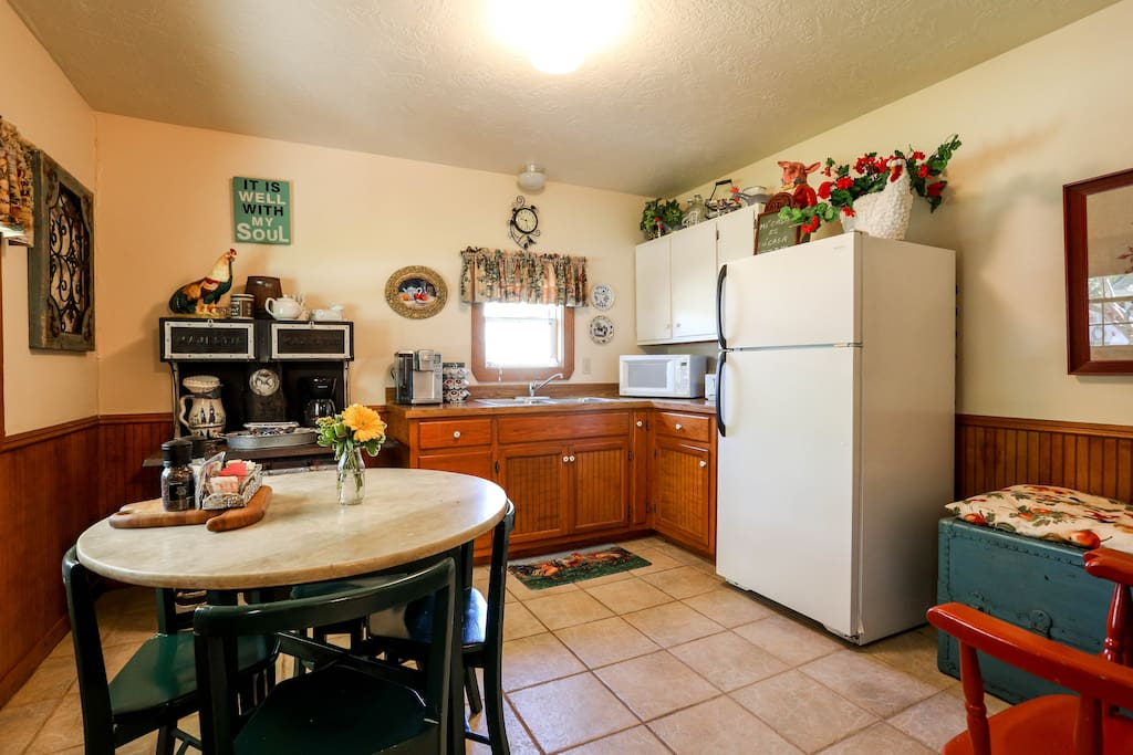 Wonderful kitchen with coffeemaker, microwave and large refrigerator