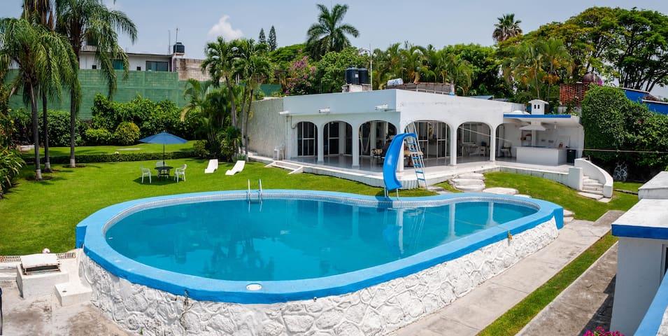 Garden Paradise, alberca privada y climatizada!!