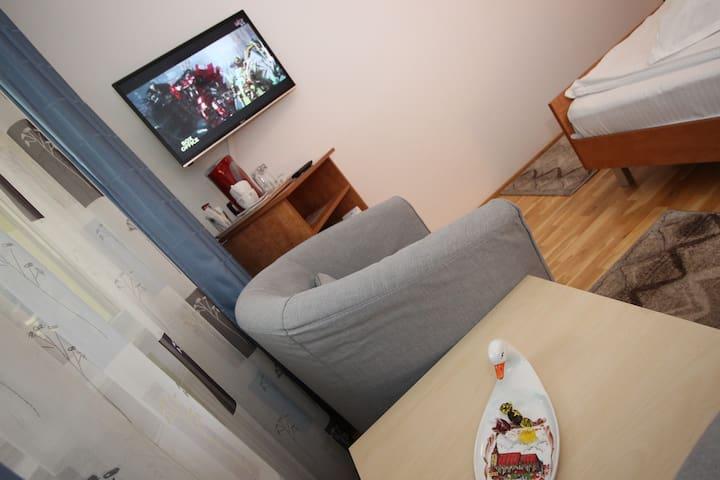 Clementina's Cozy Room (ground floor)