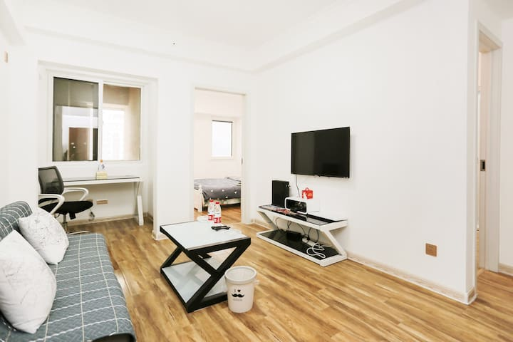 唐天街朱雀门丨5A景区丨近地铁丨好评过百丨独享高层两室一厅微厨卫生静音安保双空调XBOX学旅特惠公寓