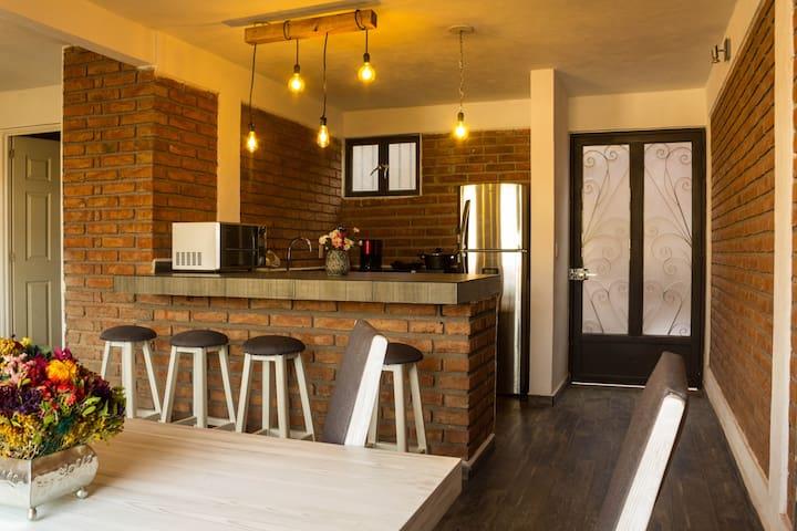 Casa sobre la Peña