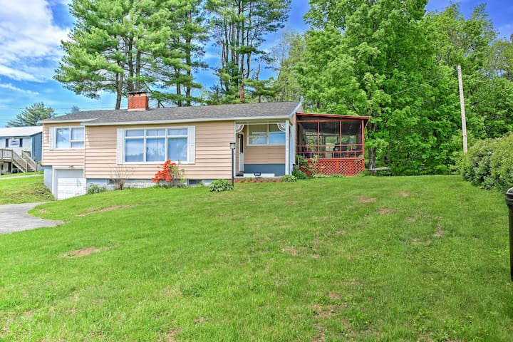 3BR Mayfield Home w/Private Dock on Lake Sacandaga