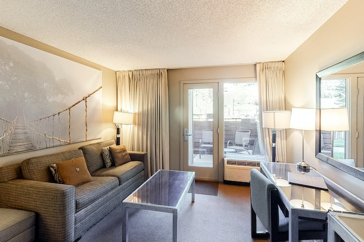 Ski-in/out hotel room w/shared outdoor pool, hot tub, steam room - walk to lifts