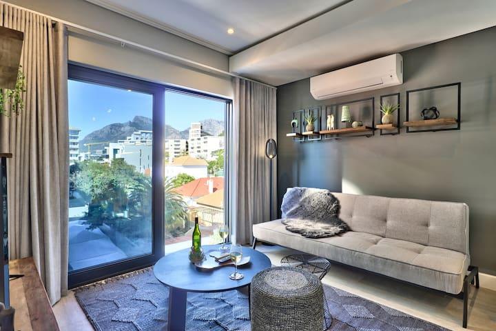 Elegant One Bedroom Apartment on 35 Main