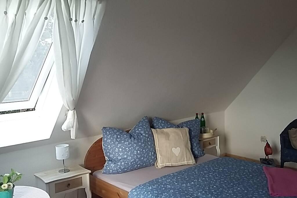 Wiesenzimmer Bett