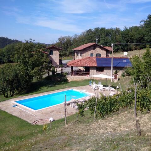 """Cascina in pietra ristrutturata """"Borgo del Grillo"""" - Ponti"""