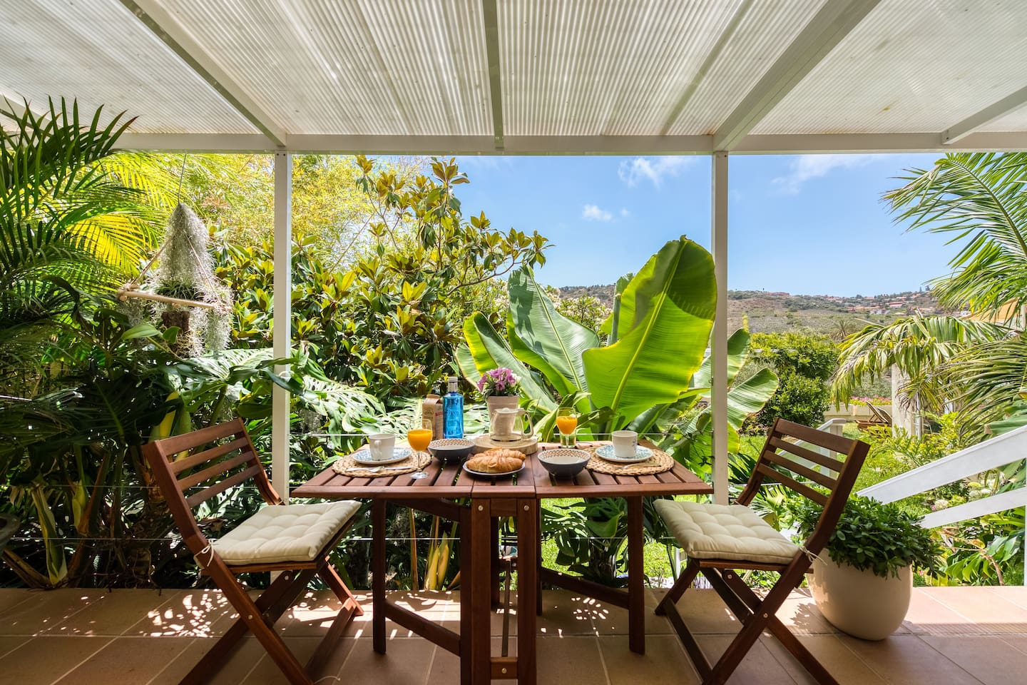 Patio - Enjoy a breakfast or meal outside and enjoy the relaxing views of the private garden area and surrounding landscape.