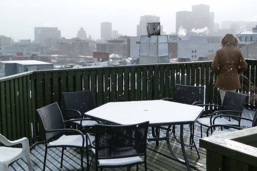 Roof top avec vue sur Montréal