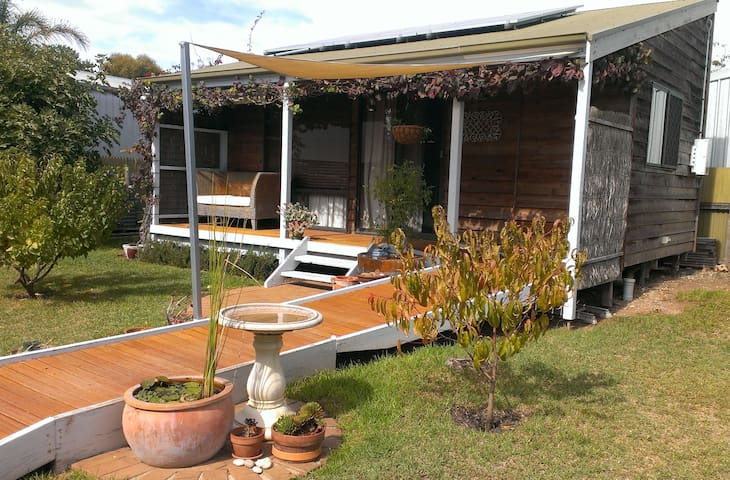 PRIVATE CABIN - Port Willunga