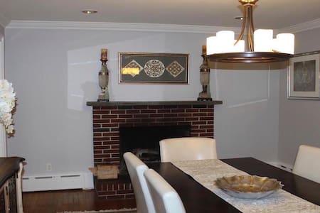 CLOSE to BOSTON spacious 5Bedroom HOME