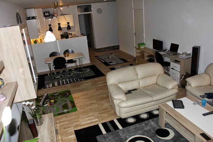 Stort lejlighed tæt på bus og tog - Glostrup - Apartamento