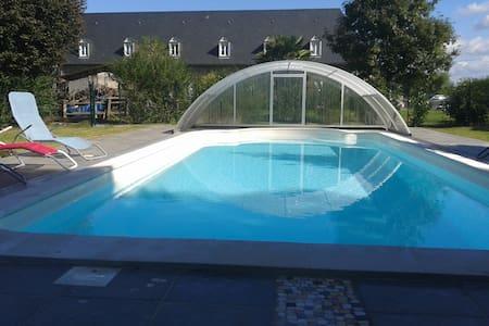 Ferme des Tilleuls avec  piscine - Artiguelouve - Hus