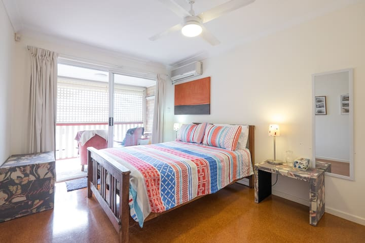 Light and Airy Double Bedroom - Brisbane - Apartment