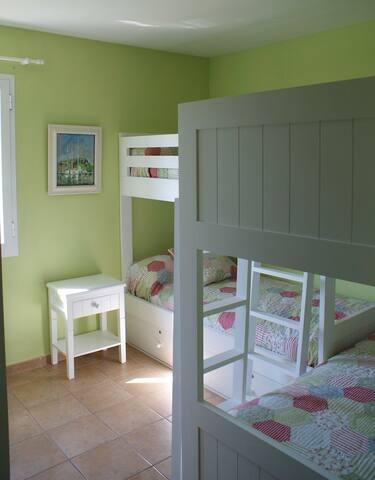 El 2º Dormitorio con 2 literas