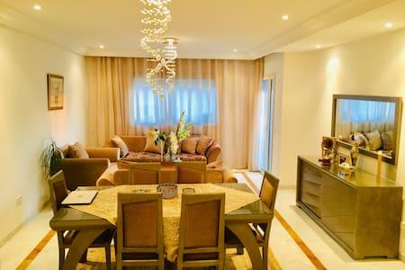 Grand appartement dans la banlieue de Tunis
