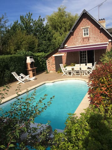 """Normandy style"" house 140m2 with heated pool - Basseneville"