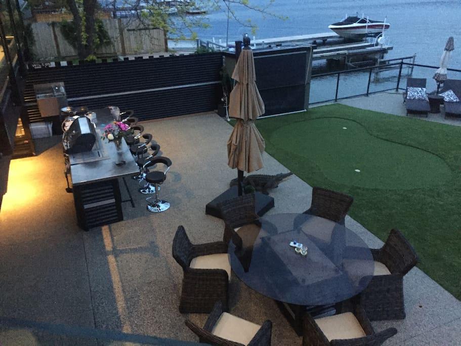 Outdoor Kitchen, Gas BBQ, Fridge, Seating, Firetable