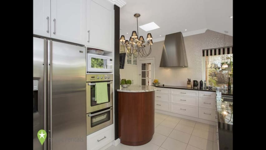 Beautiful house in Glen Osmond - Glen Osmond - Hus