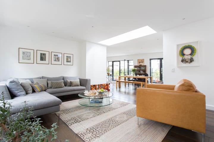 Hatton Place by ONEFINESTAY