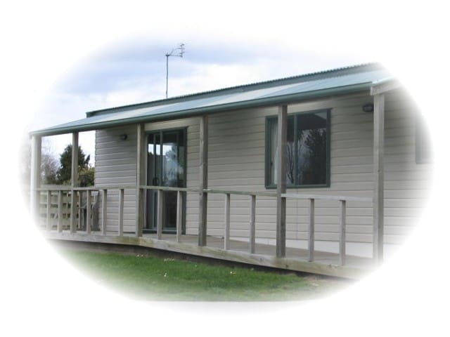 Puriri Farm Cottage - Inglewood - Villa