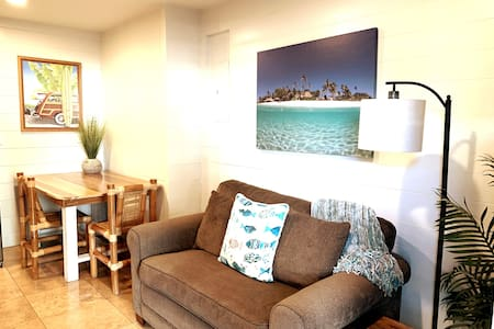 One Bdrm Apt, Steps to Hukilau Beach, A/C, MONTHLY